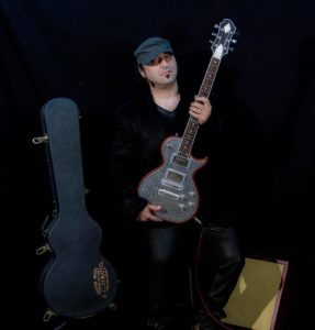 Oz Chiri and his new Zemaitis Guitar